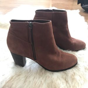 COLE HAAN leather 10B bootie